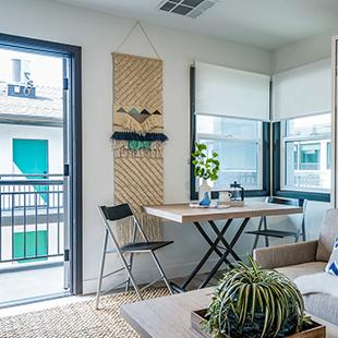 Thistle Pasadena furnished living area