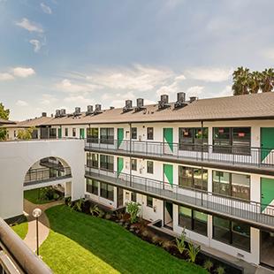 Pasadena Apartment Courtyard